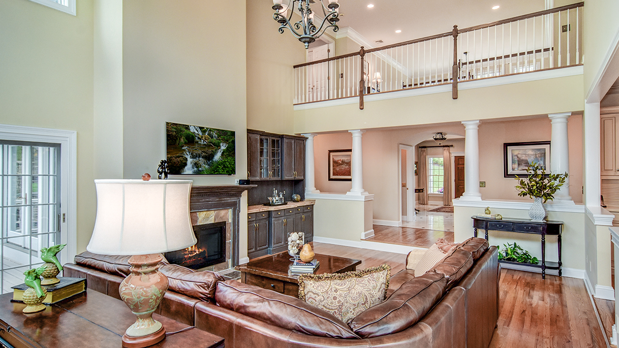 Staging Occupied • Family Room